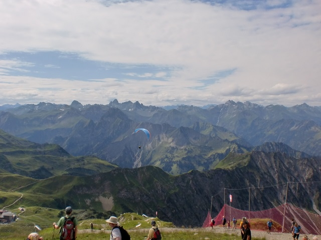 Panorama du Nebelhorn -  parapentistes